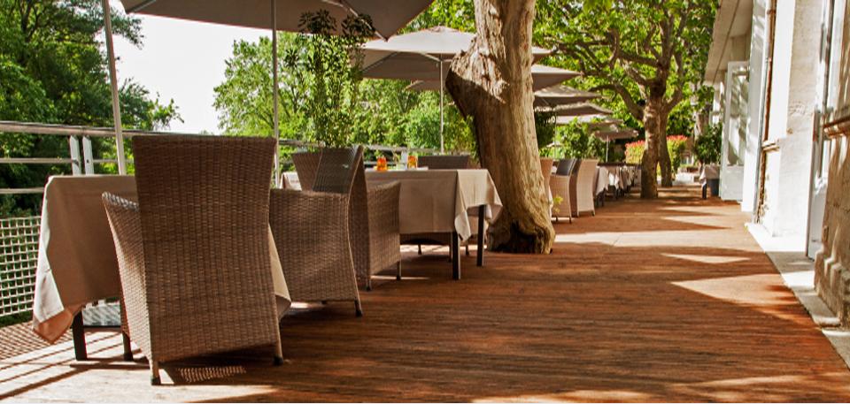 Belle terrasse extérieure bois
